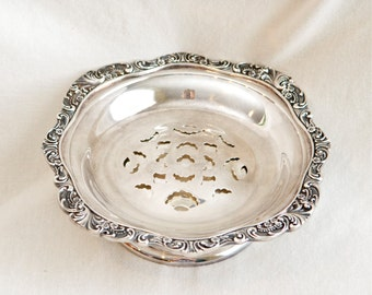 Baroque by Wallace butter curler…silver plate butter dish.