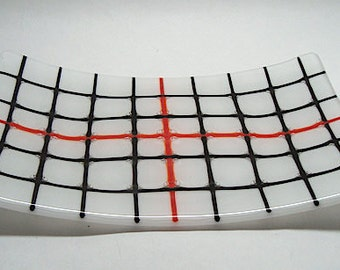 Fused Glass Plate - Black+Red Strings with Bubbles - CIG2284