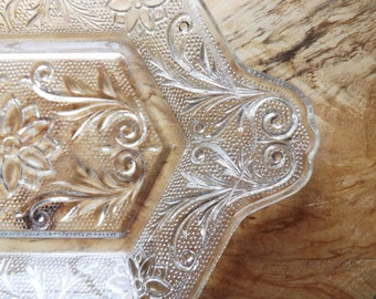Vintage Pressed Glass Dish, Indiana Glass Daisy Pattern Handled Dish for Multi Use, Serving or Vanity, Small Glass Tray or Plate