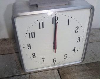 Mid century / Industrial / Aluminum / Clock
