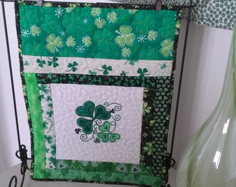 St Patrick's Day table runner/Irish/shamrock wall hanging /clover.