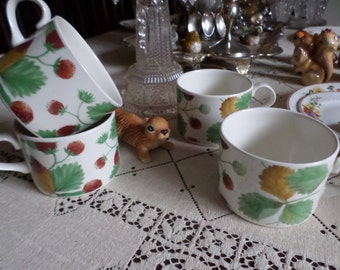 Vintage English-Made in England-Wild Strawberry Coffee/Tea Cups/Mugs-X4