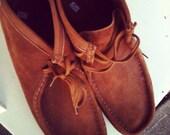 Men's Tan Colored Size 10 Clark's Wallabees