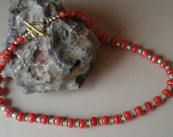 FABULOUS : bright red,white and golden necklace