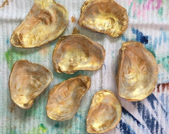 Golden Oyster Shells, Ring Holder
