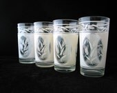 4 Clear Glass 10 oz Tumblers with White Wheat Design Vintage Set of 4