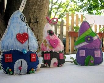 Felt House decoration, Fairy Houses, felt Christmas ornaments, felt cottage, patchwork houses, set of 3