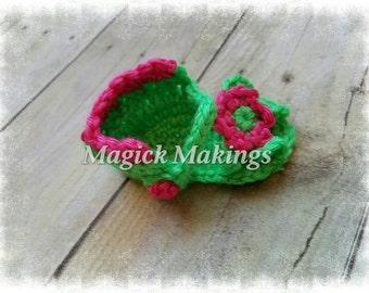 READY TO SHIP - Crochet Newborn Sandals/ Photo Prop/ Baby Shower Gift