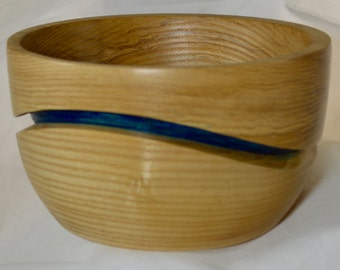 876 Art bowl, made from Silver Maple