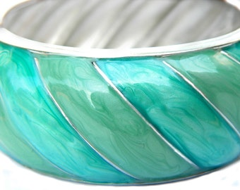 Blue Green Swirl Enamel Bangle Hinged Bracelet Vintage Collectible Jewelry For Women Modern Style Pearlescent Luster