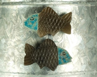 Fish Magnet.  Refrigerator magnet.  Turquoise and black.  Ready to shIp.