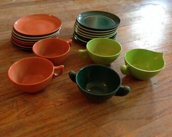 Vintage modern Color-Flyte Royale Melmac Dishes 20 Piece Set -Great USA