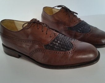 FLORSHEIM Brown Black Wingtip Woven Upper Men's Dress Business Shoes made in Italy mid 1980's size 8 M  in very good vintage condition