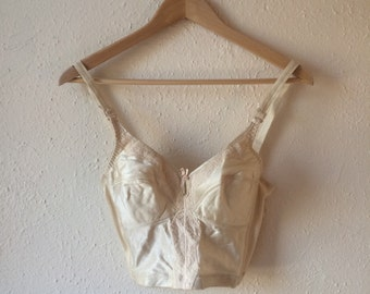 Ivory lace trimmed bralette (34B)