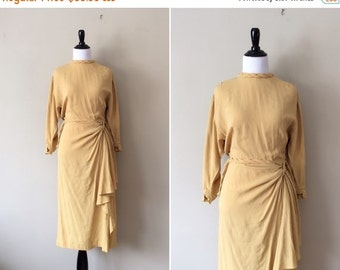 25% OFF FLASH SALE vintage 1940s dress / mustard yellow 40s dress / chartreuse rayon day dress
