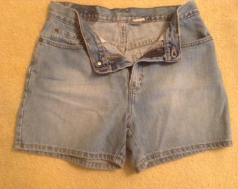 High waisted Levis Jean Shorts size 10