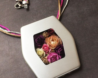 Statement paper flowers necklace - floral jewellery - silvery frame - bold locket necklace