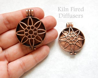 Large Sunflower Diffuser Photo Cage Locket Pendant Antique Copper Openable Perfume Necklace Pendant Metal Filigree Hollow for aromatherapy