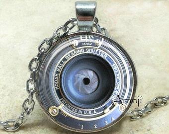 Vintage camera art pendant, camera necklace, camera jewelry, photographer necklace, photography pendant, camera lens, Pendant #HG199P
