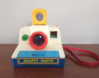 Vintage 1970's Snappy Shots Polaroid style toy camera Tomy