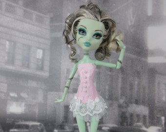 Romantic burlesque pink and white corset hand made fits Monster High doll