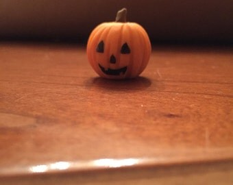Dollhouse miniature realistic jack o'lantern pumpkin for fall & Halloween