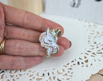 Pin's Unicorn, accessory trend