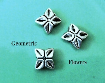 20  geometric FLOWER  // Beads Spacers //  Silver  tone   Tibetan Style // design like Origami flowers  //  7mm SQUARE
