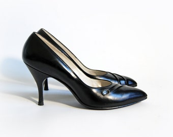 vintage hudson's black leather pumps by madrid's last size 8 AA