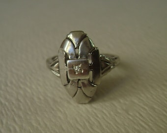 vintage sterling diamond shield ring, size 5
