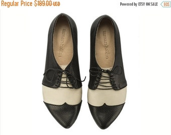 Back to School Sale Black and white oxford shoes Polly Jean / B&W handmade flat leather shoes