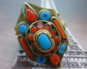 VINTAGE TRIBAL TURQUOISE and coral brass ring