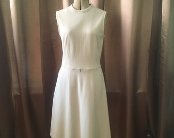 Vintage 1960s Cream Tan Oatmeal Ribbed Scooter Mod Sleeveless Shift Party Day Dress S M
