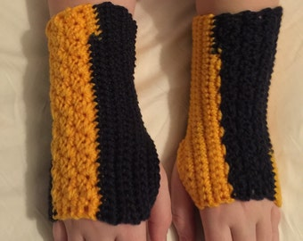 Gold and navy arm warmers