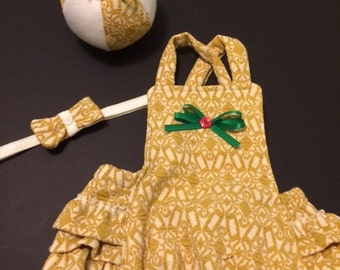 Christmas Romper Vintage Look Ruffled Romper Sitter Christmas Outfit Christmas Ball Stuffie