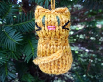 Small Orange Tabby Kitten Ornament, Handmade Knit, Hanging Decoration, Christmas Tree Trim, Rustic Decor, All Year Decoration