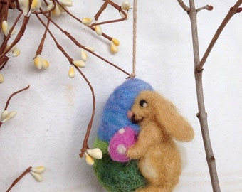 Needle Felted Wool Easter Egg with Bunny Decoration