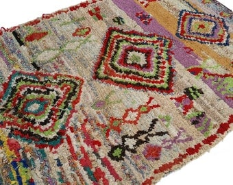 """67""""X47"""" Vintage Moroccan rug woven by hand from scraps of fabric / boucherouite / boucherouette"""