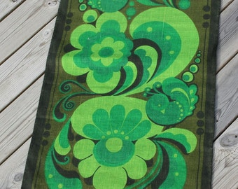 Printed walhanger from 1970  with green flower in jutecloth/gunny from Sweden