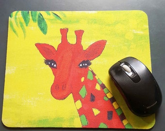 Gilly Giraffe mouse pad