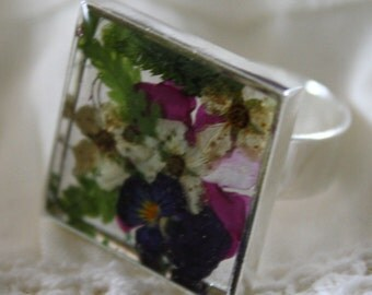 Multicolor resin flower ring, purple, fushia and white flowers ring, resin ring, adjustable ring, made in Canada,