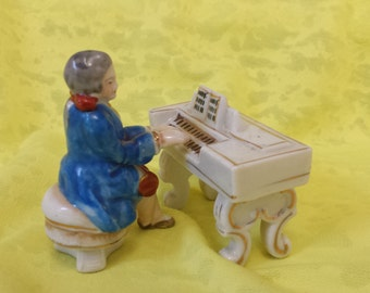 Occupied Japan Piano and Pianist