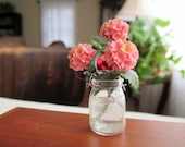 Dollhouse Miniatures - Old Fashioned Glass Canning Jar with Pink  Hydrangeas - Shabby