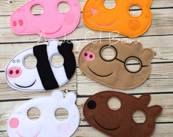 Pepper Pig and friends dress up and birthday party favor mask. Peppa birthday, peppa gifts, peppa pig party, peppa pig birthday
