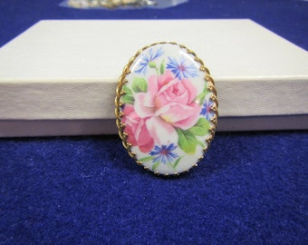 vintage Gold tone metal  Oval Cameo style Brooch or Pin : pink flower/ made in Limoges, France