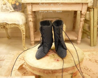 Miniature boots, Edwardian antique Dark Blue dolls shoes, Parisian fashion, Accessory made in France for a French dollhouse in 1:12th scale
