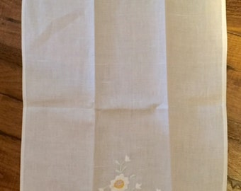 Linen napkin - 1, with embroidered yellow and white flowers