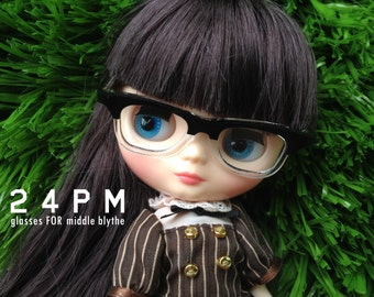 Middle super nerd glasses- For middle blythe