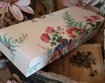Vintage Paper Glove Box