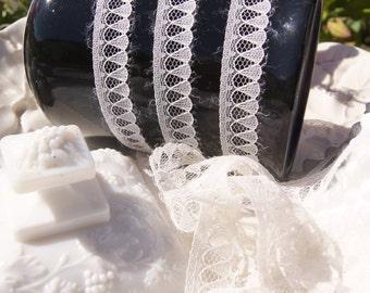 "5/8"" Vintage Narrow Lace Trim - Eggshell Lace Trim by the Yard - Vintage Sewing Lace Trims Wholesale #143"